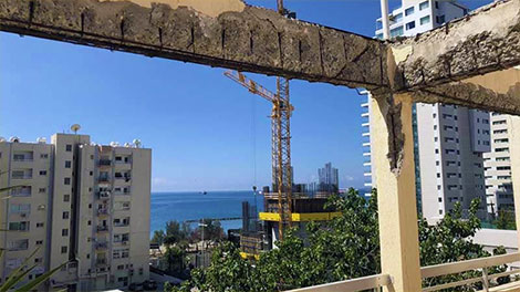 claims that high-rise construction ruined flats